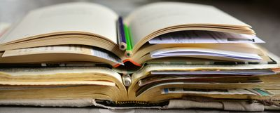 books-2158737_1280.jpg